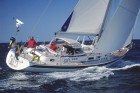 Hallberg Rassy 53: modern styling and timeless elegance